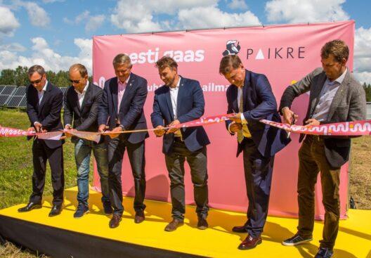 Elenger atklāj lielāko saules enerģijas parku Igaunijā