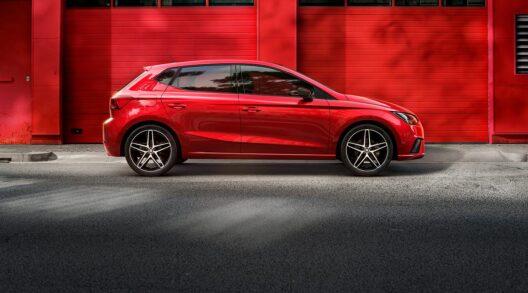 Seat Ibiza CNG. Ar DSG automātisko vai manuālo ātrumkārbu.
